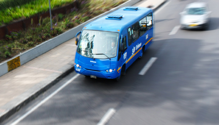 Servicio urbano en una vía de Bogotá
