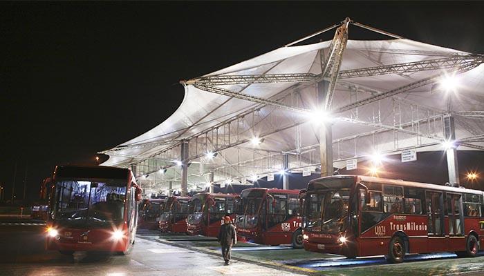 Bus de TransMilenio en un Patio del Sistema