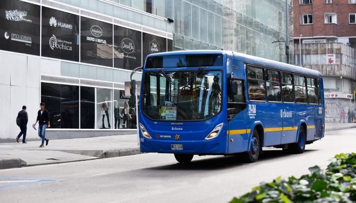 Bus del SITP en funcionamiento