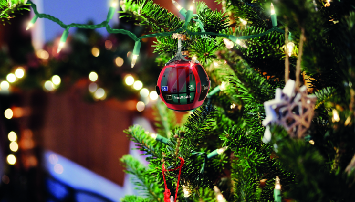 Árbol de navidad  con una cabina de TransMiCable de decoración