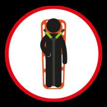 En caso de accidente, tomar la camilla y asistir a la persona herida