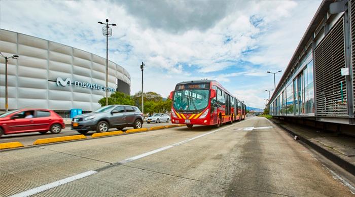 Bus nuevo de TransMilenio por la Troncal de la Carrera 30