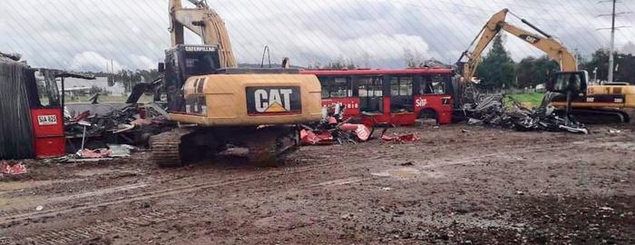 Comenzó la chatarrización de los buses de Fases I y II de TransMilenio